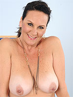 46 year old Stering from AllOver30 puts on a great and naked show