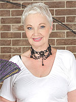 Busty 60 year old Winnie Anderson stuffing he - Pictures Gallery