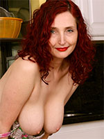 Lovely Redhead MILF Zinnia Blue - Pictures